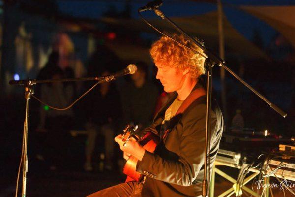 gitarrenmusik-fette-ente-im-krokoteich-festival-bergen-auf-ruegen